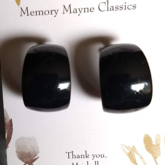 simple black metal huggy style hoop earrings NWOT